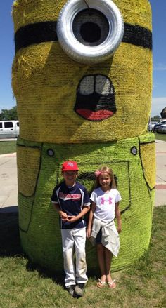 Hay bail minion -- Completely awesome