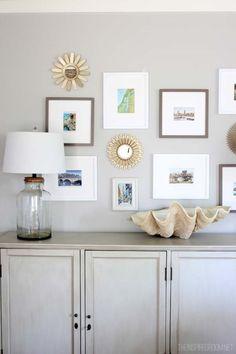 벽 꾸미기를 할 때, 거의 필수품인 액자 :D 신혼집의 달달한 커플사진, 보기만해도 행복해지는 아이들 사...