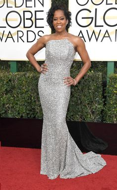 2017 Golden Globes: Regina King is wearing a silver sequin Romona Keveza strapless gown. Regina shines bright like a diamond!