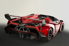 Lamborghini's Exotic Veneno Roadster will Take You to 355KM/H or 221MPH Without a Top - Carscoops