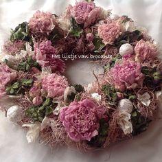 My homemade shabby chic wreath......