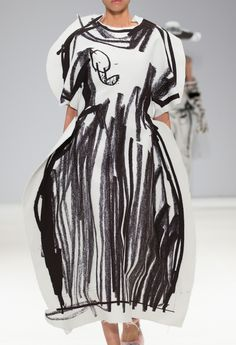 Design Textile, Fashion Prints, Fashion Graphic, Designer, Weird Fashion, High Fashion, Fashion Art, Runway Fashion, Fashion Design