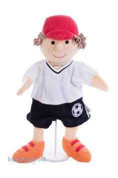 Heel slim van Sterntaler om een voetballer te introduceren in de poppenkast want via de voetballer kunnen we kinderen uitdagen meer te gaan sporten.
