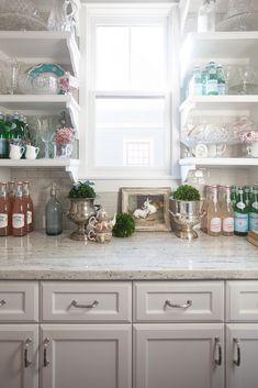 4 Superb Cool Tips: Formica Counter Tops Diy rustic counter tops ideas. Cedar Hill Farmhouse, Farmhouse Chic, Country Farmhouse, Country Homes, Farmhouse Design, Granite Kitchen, Kitchen Countertops, Faux Granite, Kitchen Cabinets