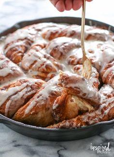 Cinnamon Roll Skillet Bread