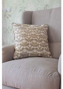 Povlaky na Polštáře Morris Designers Guild, Showroom, Throw Pillows, Bed, Home, Toss Pillows, Cushions, Stream Bed, Ad Home