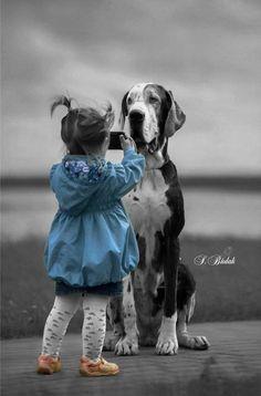 Splash of Color Precious Children, Beautiful Children, Animals Beautiful, Splash Photography, Black And White Photography, Black And White Colour, Black And White Pictures, Animals For Kids, Cute Animals