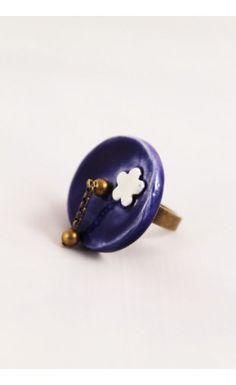 Bague en céramique fait main – Bleu marine  http://eva-arlettaz.com/bijoux-artisanaux/149-bague-en-ceramique-bleu-marine.html