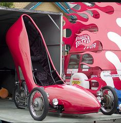 The ultimate ladies vehicle, The High Heel Shoe Car was created by David Crow in Seattle using a 1972 Honda CB 350 motor and running ge. Airplane Car, Weird Cars, Crazy Cars, Shoe Boots, Shoes Heels, Girly Car, Pink High Heels, Ugly Shoes, Cute Cars