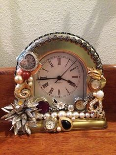 Large table clock. $75.00 + Shipping