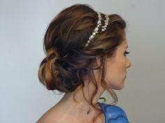 Tiara hairstyles for medium hair: easy greek goddess hairstyle