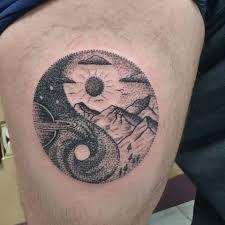 Yin Yang Tattoos, Symbolic Tattoos, Blackwork, Skull, Symbols, Aries, Tattoo Ideas, Tatuajes, Tattoos With Meaning