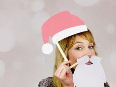 ¡Hazte fotos con tu familia y con tus amigos esta Navidad con estas siluetas! Son supersencilla y solo necesitas una impresora y hacer todas las que quieras. :)