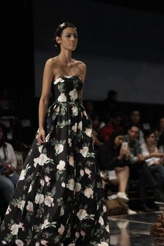 DominicanaModa is the official fashion week of the Dominican Republic. It is widely considered one of the top five fashion events in the Latin America Hemisphere and the preeminent fashion week held in the Greater Caribbean. Mac Duggal showcased his Spring 2017 collections at the show in a collaboration with Sophistiquee Boutique.