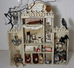 Trash to Treasure Art: Dr Coffin's Apthocary Cabinet. Make with a utensil tray! Dollar Store Halloween, Halloween Items, Holidays Halloween, Halloween Crafts, Halloween Decorations, Halloween House, Graphic 45, Halloween Shadow Box, Halloween Apothecary