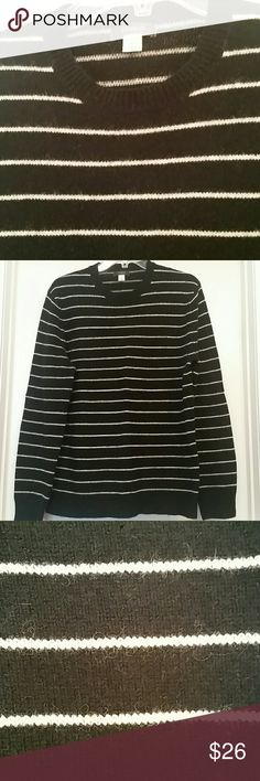 Express Man's Sweater In excellent condition. Like new! Nice and warm for this cold weather. Express Sweaters Crewneck