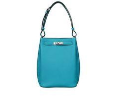 So-Kelly Hermes bag in togo calfskin Measures 8.5