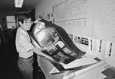 Okuda making Okudagrams Star Trek News, Star Trek Cast, Enterprise Ncc 1701, Star Trek Enterprise, Star Trek Bridge, Okuda, Star Wars, Best Tv, Good Movies