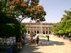 This is the Government building in Cuernavaca.  Lots of vendors hang out here.  Beware of the little children who will chase you to sell you necklaces and chicle.  lol