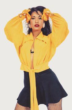 45 Beautiful Photos of Selena in the Early Selena Quintanilla Perez, Divas, Selena Pictures, Selena Pics, Selena Selena, Senior Pictures, 90s Fashion, Fashion Tips, Girl Fashion