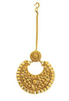 This antique gold head ornament gives a radiant look to the fashionista. http://www.flipkart.com/jahnvi-perfect-gold-metal-maang-tikka/p/itmebf9yhnfgp5p9?pid=MGTEBF9YBJX8PXDJ