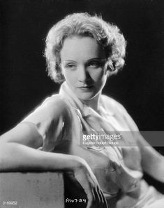 Marlene Dietrich making her Hollywood film debut as the cabaret singer Amy Jolly in the film 'Morocco' directed by Josef von Sternberg