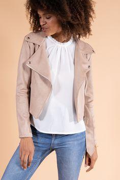 Perfecto femme été en suédine beige rosé avec zips argentés Ballet Top, Safari Dress, Button Front Dress, Spandex, Blank Nyc, Tiered Dress, Frame Denim, Belted Dress, Vintage Tees