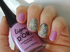 Neon Studs Mini Flower Nails http://www.coresdelirios.com.br/2014/08/17-ligne-dor-studs-born-pretty.html#.U-lzL6MgDNR