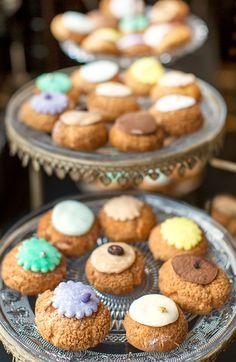 choux à la crème or cream puffs are the hot new pastry confection in Paris.