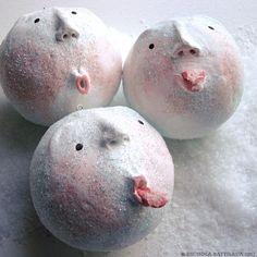 Pixie Hill: SNOWBALLS!
