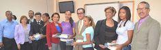 Armario de Noticias: Cincuenta Estudiantes Educación UASD reciben table...