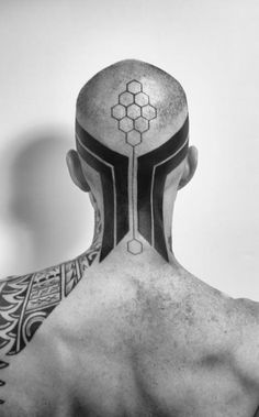 Today I decided to select two things that I really like into one, so I put together symmetry with tattoos and came out with an awesome collection of symmetrical tattoo designs to inspire you. Cyberpunk Tattoo, Cyberpunk Art, Tachisme, Cyber Tattoo, Ben Volt Tattoo, Blackwork, 2spirit Tattoo, Symmetrical Tattoo, Tattoo Hals