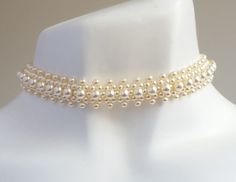 Small Pearls Choker
