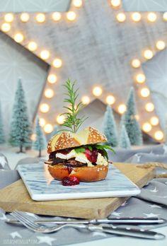 luzia pimpinella: food love   roastbeef balsamico-cranberry & camembert burger... geht auch an weihnachten!