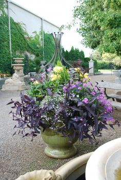 French garden pots