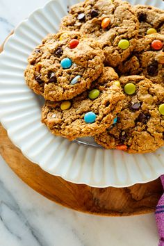 Truly the best monster cookies! These peanut butter, oatmeal and chocolate chips cookies are a little crisp around the edges and tender on the inside. Chocolate Chips, Chocolate Chip Cookies, Chocolate Candies, Vegan Chocolate, The Best Monster Cookie Recipe, Chunky Peanut Butter, Big Cookie, Healthy Desserts, Ww Desserts