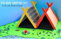 DIY Mini Camping Set with Sticks and Paper:Make camping gear for your small toys and take them on a trip! Mini popsicle & paper tents, Stick fireplace and more. Lolly Stick Craft, Popsicle Stick Crafts For Kids, Crafts For Teens To Make, Popsicle Sticks, Craft Stick Crafts, Art For Kids, Pop Cycle Stick Crafts, Kid Art, Resin Crafts