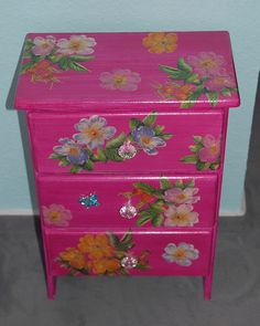 Decoupage furniture Carribbean style (sort of) by swamp dragon, via Flickr