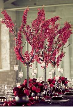 Strictly Weddings shares our favorite ways to incorporate the strong and seductive allure of Marsala Fall & Winter 2015 color trends, Pantone's color of the year. Purple Wedding Flowers, Burgundy Wedding, Red Wedding, Wedding Table, Church Wedding, Elegant Wedding, Purple Table Decorations, Decoration Table, 2015 Color Trends