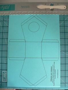 plano para hacer una casita de pajaros decorativa