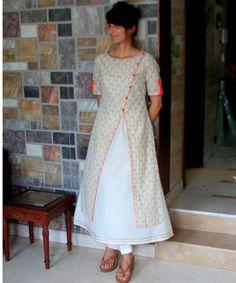 anokherang Combos Woody Red Double layered Kurti with Straight Pants Salwar Designs, Kurti Neck Designs, Blouse Designs, Kurta Patterns, Dress Patterns, Sewing Patterns, Indian Dresses, Indian Outfits, Layered Kurta