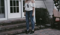 Ray bans, mom jeans, Tumblr aesthetic, heels