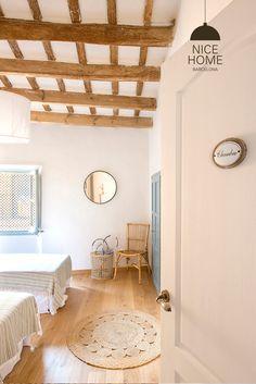 Proyecto Casa de Pueblo Costa Brava | homify Casa Top, Greek House, Wooden House, My House, Beach House, Sweet Home, House Design, Barcelona, Furniture