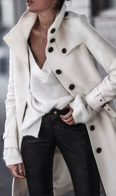 597b3353009ef 16 Fall Inspired Outfits With Trench Coats
