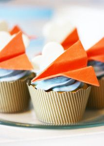 """""""Paper"""" airplane cupcakes!  Adorable!"""