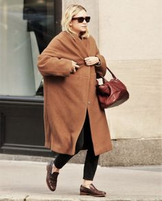 c3a82a1051f2d6 How to do fall like an Olsen  Best fall looks of Mary-Kate and
