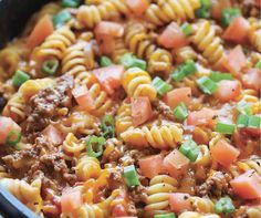 Easy Ground Beef Recipes That'll Make Weeknight Meals a Breeze Cooking With Ground Beef, Ground Beef Recipes Easy, Best Crockpot Recipes, Healthy Recipes, Weeknight Meals, Quick Meals, Recipes From Heaven, Easy Cooking, Pasta Dishes