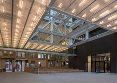 © Ossip van Duivenbode OMA stadskantoor Rotterdam rem koolhaas binnenbuiten ruimte vide void verlichting geperforeerd inkom doorgang structuur