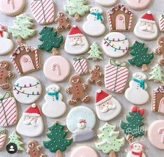 christmas cookies royal icing Its National Cookie Day! Im curious.whats your favorite cookie ever . Also, set your alarms! Christmas cookie preorders will start Christmas Cookie Icing, Cute Christmas Cookies, Christmas Snacks, Iced Cookies, Christmas Cooking, Noel Christmas, Holiday Cookies, Cupcake Cookies, Cookies Et Biscuits
