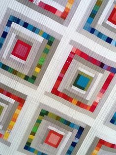 Stunning Hot and Cold quilt by Krista Fleckenstein from Spotted Stones Studio. More fabulous pictures after the jump. Quilting Projects, Quilting Designs, Quilting Room, Log Cabin Quilts, Log Cabins, Rustic Cabins, The Quilt Show, Rainbow Quilt, Nancy Zieman